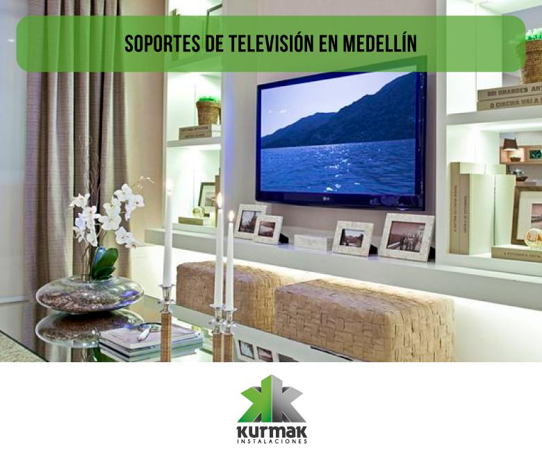 Práctica instalación de soportes de televisión en Medellín